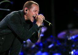 Linkin Park: vocalista Chester Bennington cometeu suicídio em sua residência